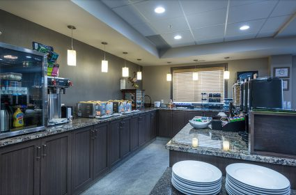 Breakfast-Room-General-Area