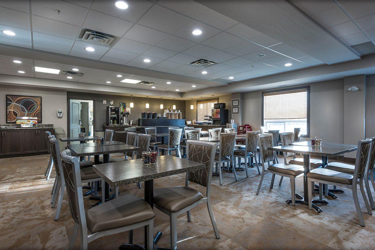 Breakfast-Room-Tables