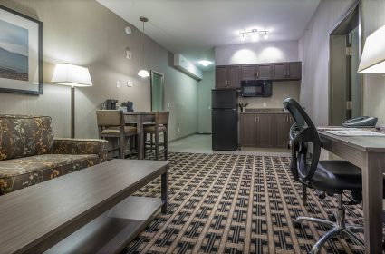 Executive-King-Kitchenette-Suite-Main-Area
