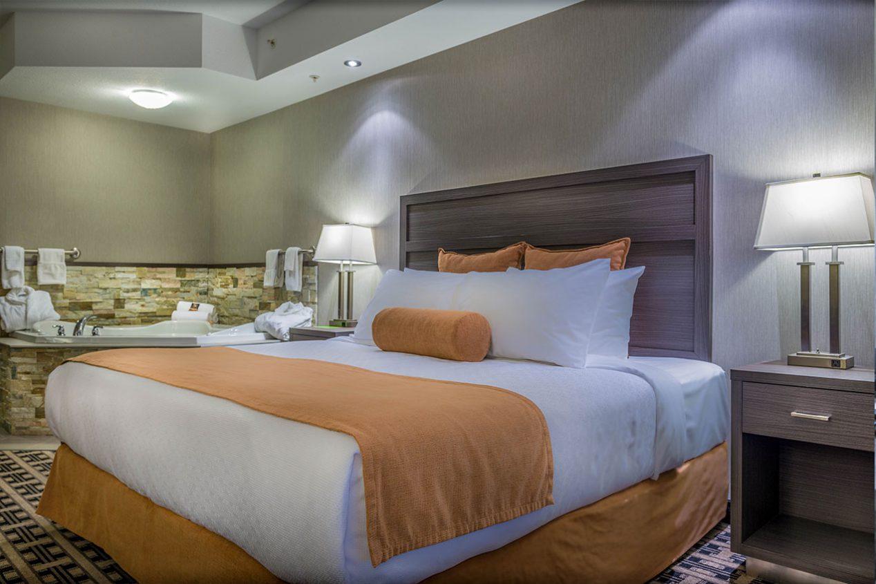 Jacuzzi-Suite-Bed
