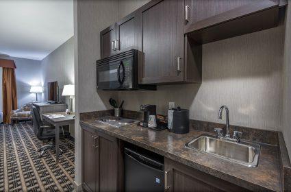 Junior-King-Suite-Kitchen